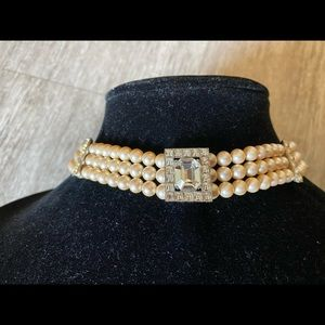 pearl and crystal choker in exceptional condition